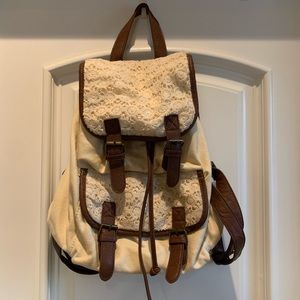 [USED] Charlotte Russe: Summer Cream Backpack